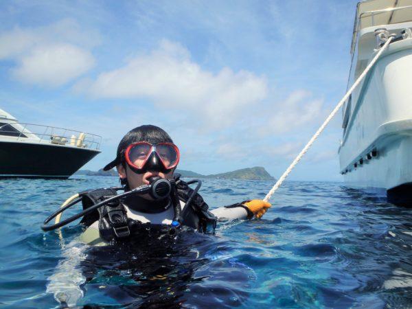 ボートダイビングの潜降方法(ロープ潜降)
