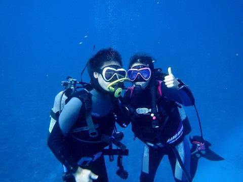 慶良間ダイビングに参加のお二人