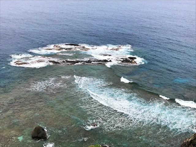 灯台から西崎を見下ろす