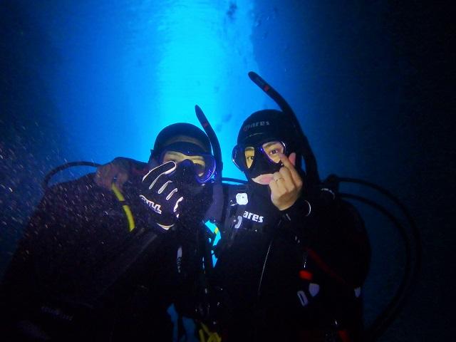 真栄田岬 青の洞窟まで 沖縄 | ボートダイビング | 恩納村
