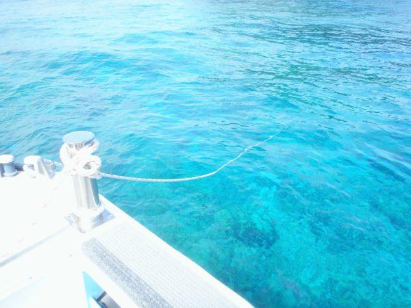 ボートダイビングのロープ潜降
