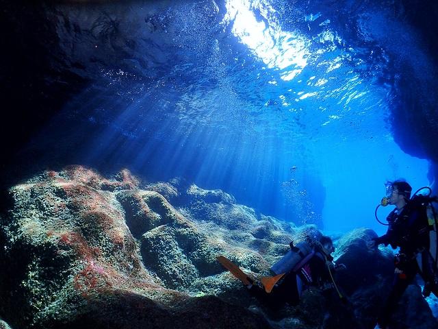 慶良間青の洞窟